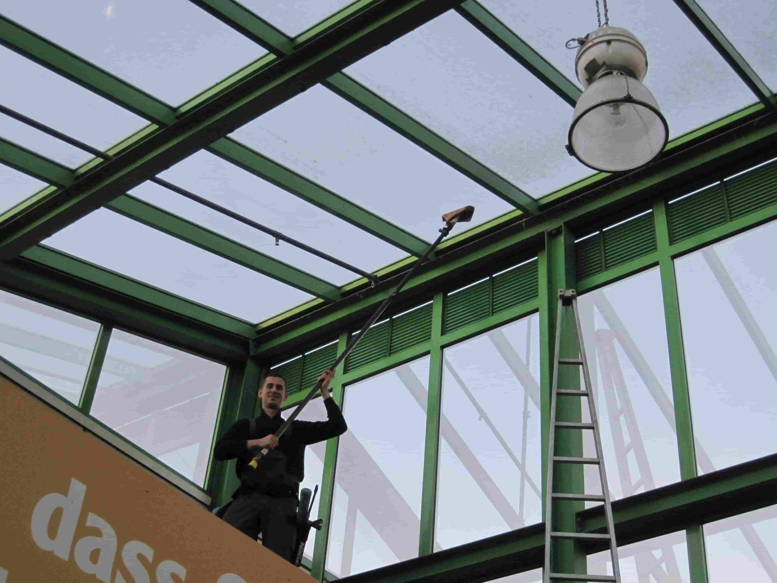 Fensterputzer Wintergartenreinigung